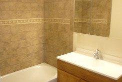 231_Sharpless_St._Apt_3D_Bathroom1