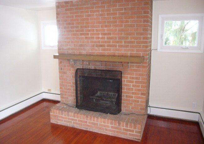 335_Marshall_St._fireplace