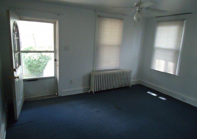 401_W._Miner_St._Apt._3_Livingroom1