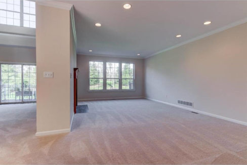139-lydia-lane-west-chester-pa-livingroom-2-homes-for-sale-zukin-realty