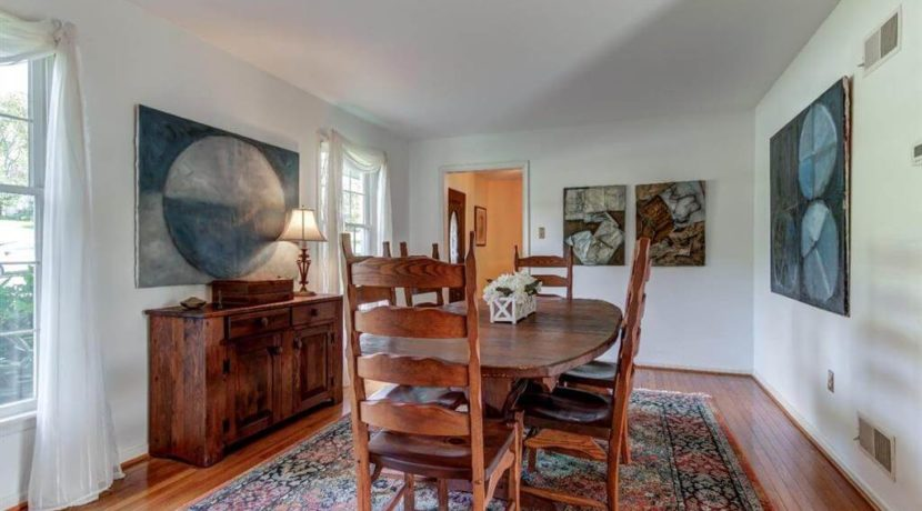 943-jefferies-bridge-road-dining-room-west-chester-home-for-sale-zukin-realty