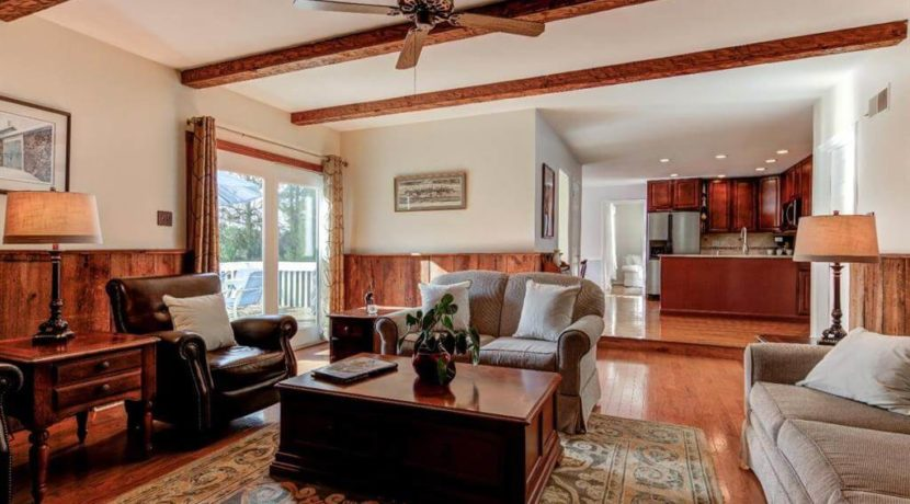 943-jefferies-bridge-road-living-room-2-west-chester-pa-home-for-sale-zukin-realty