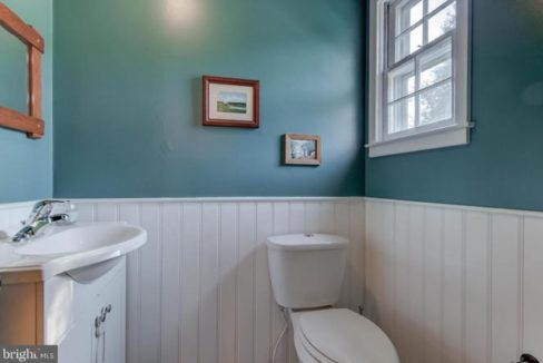 half-bath-1485-telegraph-rd-honeybrook-pa-for-sale-zukin-realty