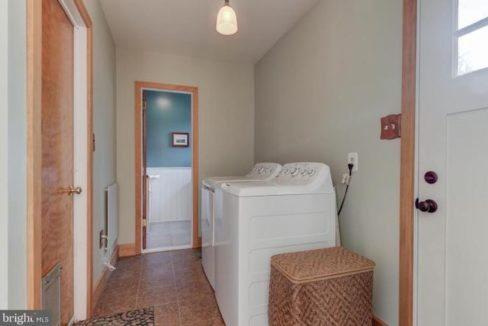 laundry-room-1485-telegraph-rd-honeybrook-pa-for-sale-zukin-realty