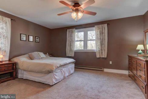 master-bedroom-1485-telegraph-rd-honeybrook-pa-for-sale-zukin-realty