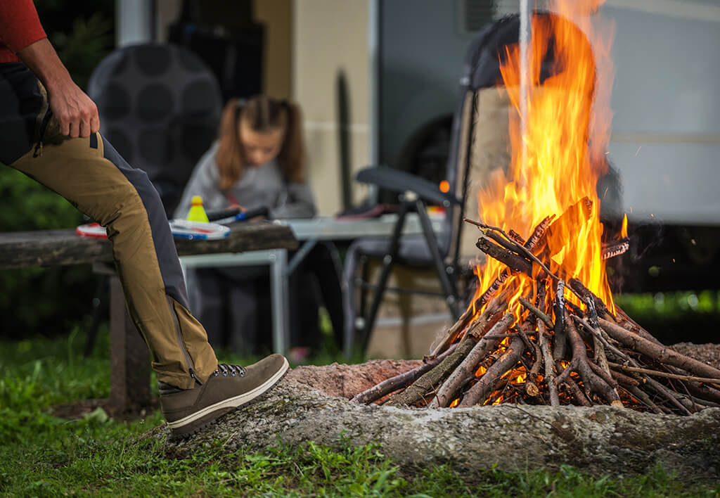 Best Summer Jobs for College Students: Camp Counselor